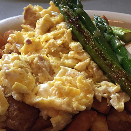 egg scramble with asparagus